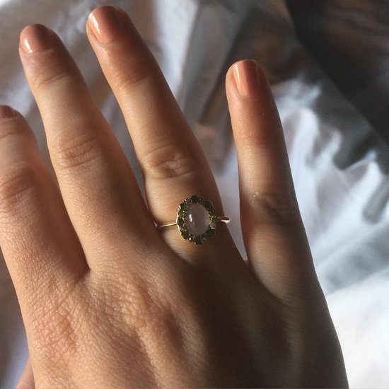 Lena Dunham's Nonegagement Ring Is Truly Something Special