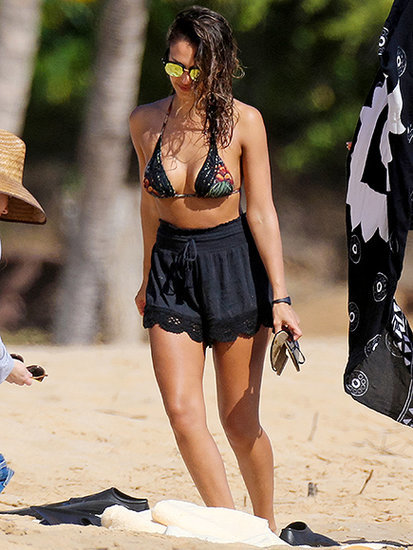 Jessica Alba Puts Her Bikini Body on Display During Birthday Getaway in Hawaii