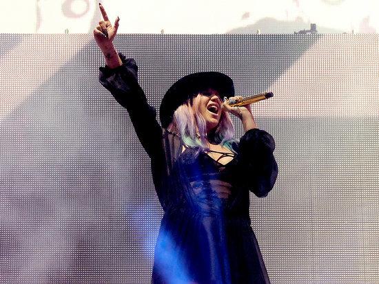 Kesha Returns to Studio in Recording Session with Zedd