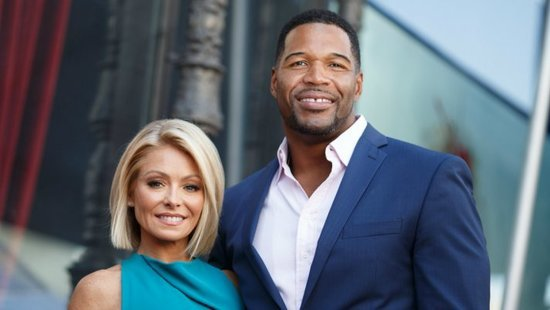 Kelly Ripa Returns To LIVE! – See What She Had To Say About Her Time Off