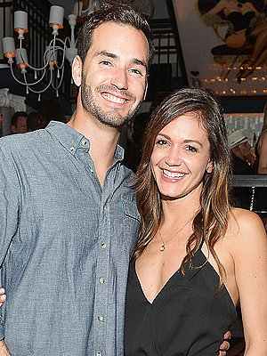 Bachelorette Baby! Desiree Hartsock Siegfried Is Pregnant: 'We Have a Bun in the Oven'
