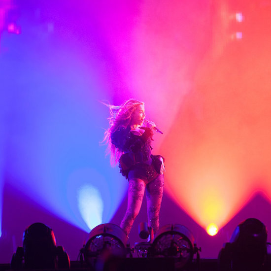 "Beyonce Fans Dance to ""Single Ladies"" on Formation Tour"