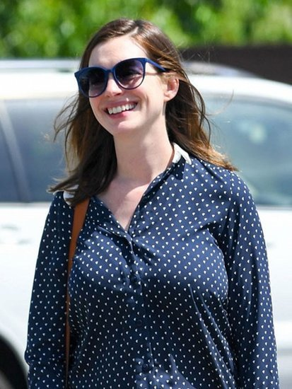 Anne Hathaway's First Post-Baby Outfit Is So Cute