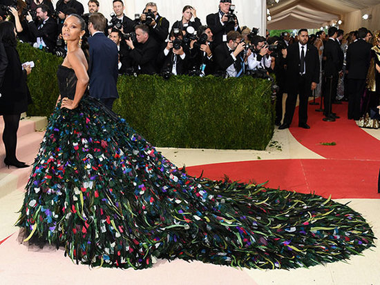 Top That Train! Zoe Saldana Makes the Biggest Entrance of the 2016 Met Gala