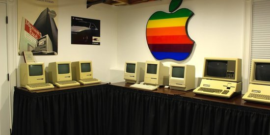 Teen's Apple Computer Collection Is Mac-nificent