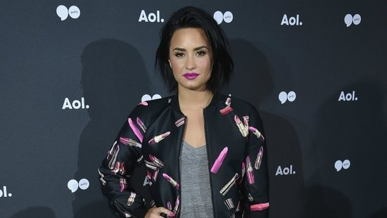 Taylor Swift's Entire Squad Unfollowed Demi Lovato On Instagram After She Posted This Pic
