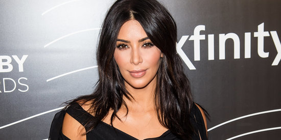 Kim Kardashian Tones It Way Down At The Webbys