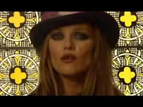 ''Il y a'', new song of Vanessa Paradis.