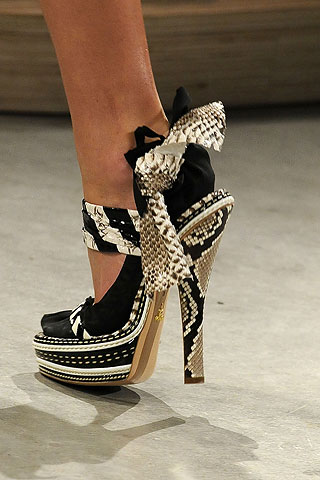 SHOE LUST - WHAT BRAND? - Prada!