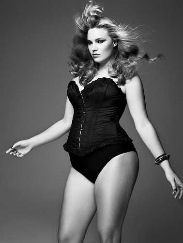 V Magazine Preview - Curves Ahead!