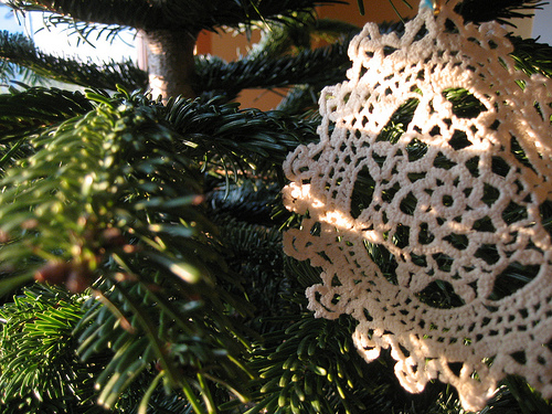 The First DIY of Christmas: Doily Decorations