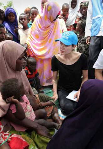 Angelina Jolie visits 'dire' camp for Somali refugees