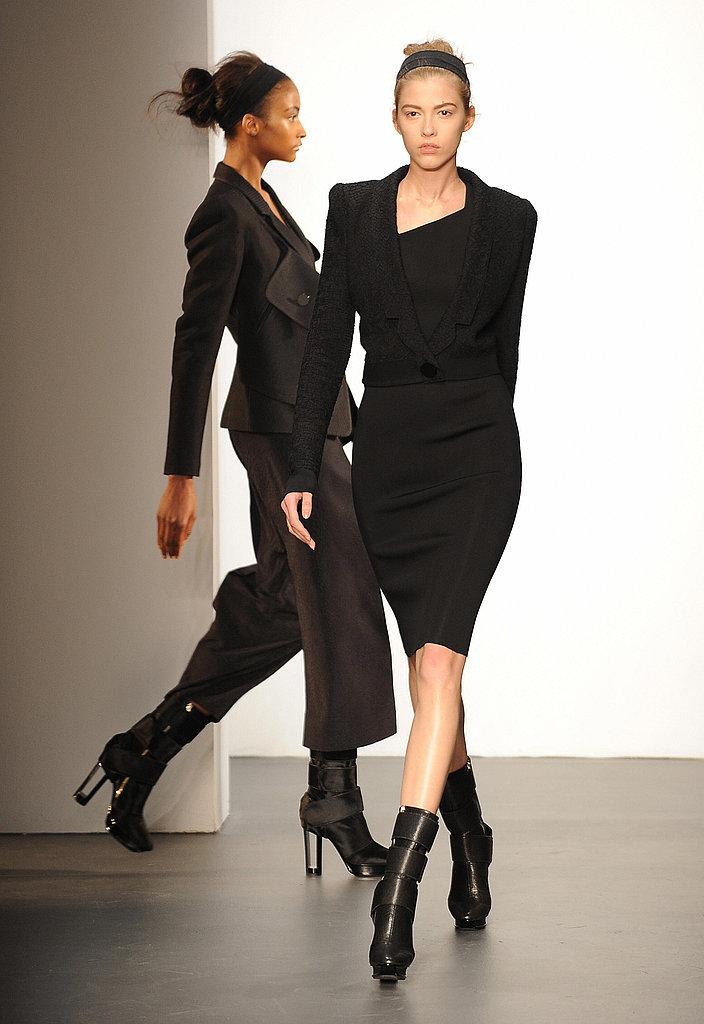 Calvin Klein Embraces Lyndsey Scott, Monika Jagaciak