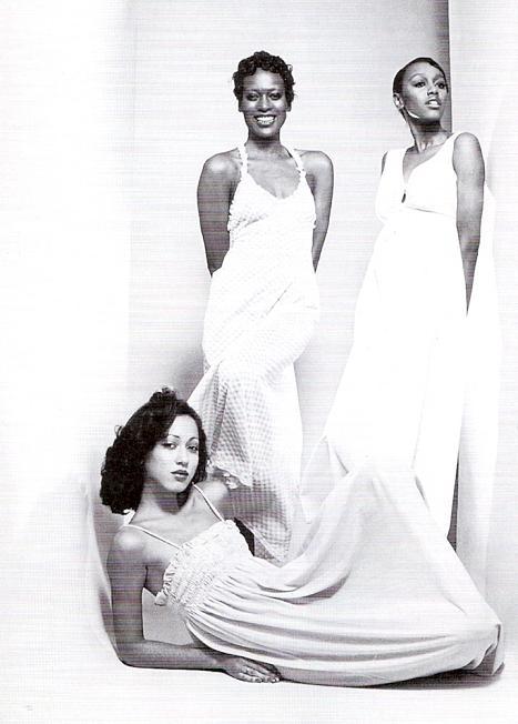 "Naomi Sims, ""First Black Supermodel,"" Dead at 61"