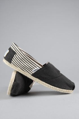 TOMS shoes, $42 (20% discount through Someone Spoil Me)