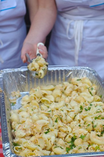 2009 SF Food Wars Mac Battle Royale With Cheese