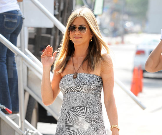 Photo Slide of Jennifer Aniston on The Bounty Set in NYC