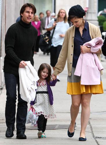 Photos of Tom Cruise, Suri Cruise and Katie Holmes in Boston