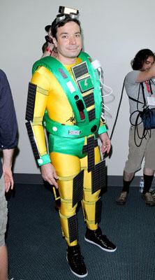 Jimmy Fallon Dressed up as a Portable Green Charging Station at Comic-Con 2009