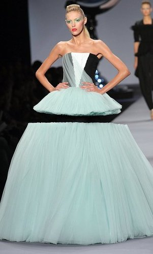Freaky or Fabulous? Viktor & Rolf, Masters of Illusion