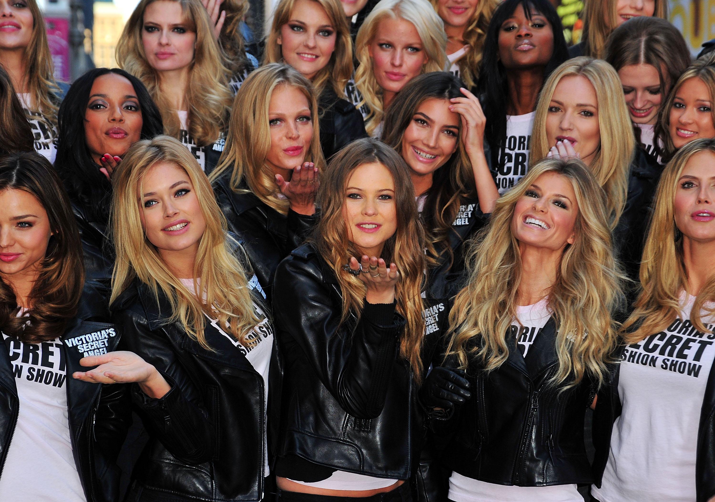 2009 Victoria's Secret Fashion Show Has More Casting Surprises: Dorothea Barth Jorgensen and Anastasia Kuznetsova