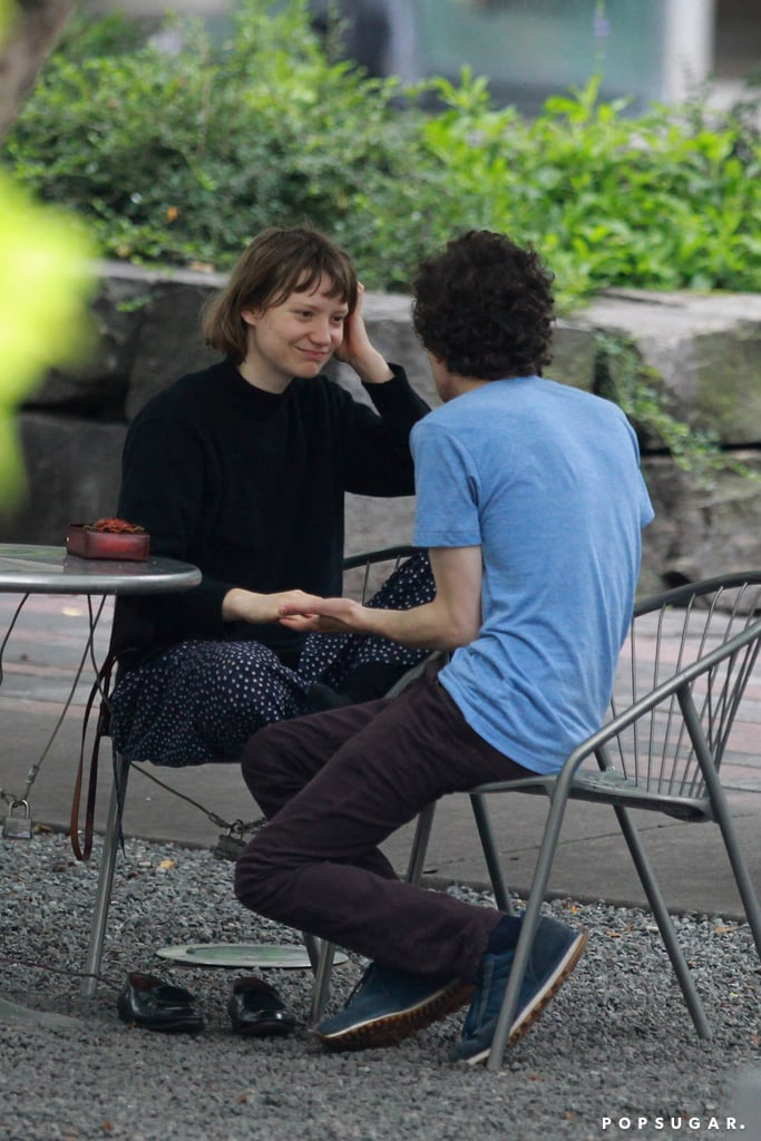 Jesse Eisenberg and Mia Wasikowska had a date in a Toronto park.