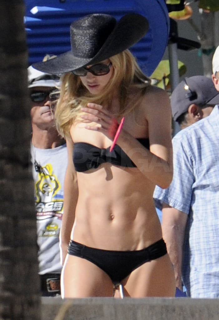 Doutzen's abs were on full display.