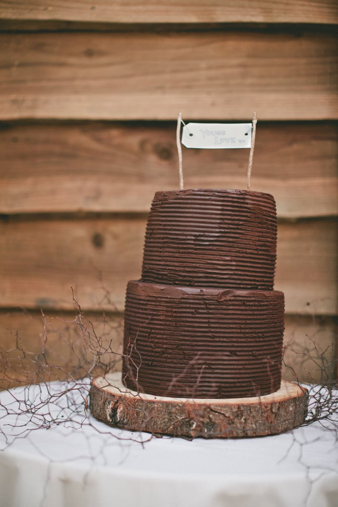 For the couple that loves chocolate, this two-layered, rustic-style cake is all about the bare minimum, and we mean that in a good way.