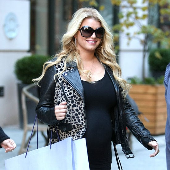 Jessica Simpson Pregnant in NYC Pictures