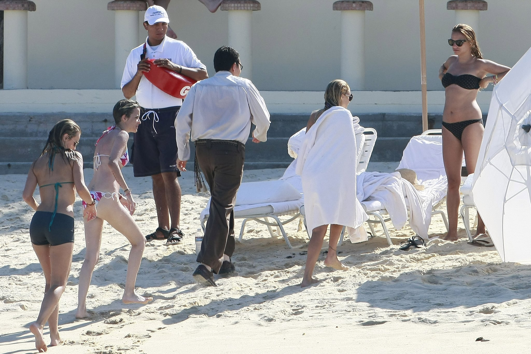 Nicole Richie put on a towel.