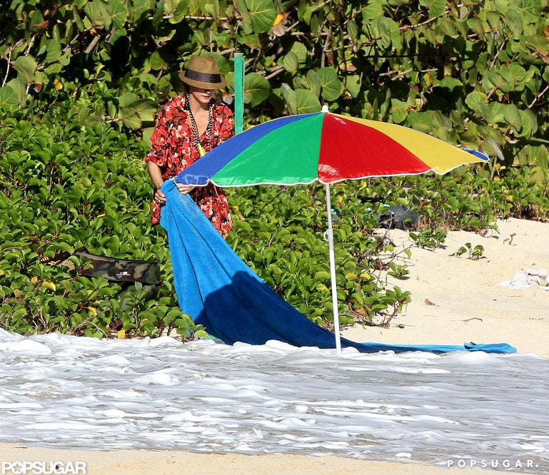 Olivia Palermo fixed her towel.