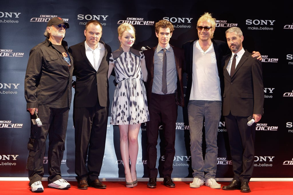 The cast of The Amazing Spider-Man posed for a photo on the red carpet.