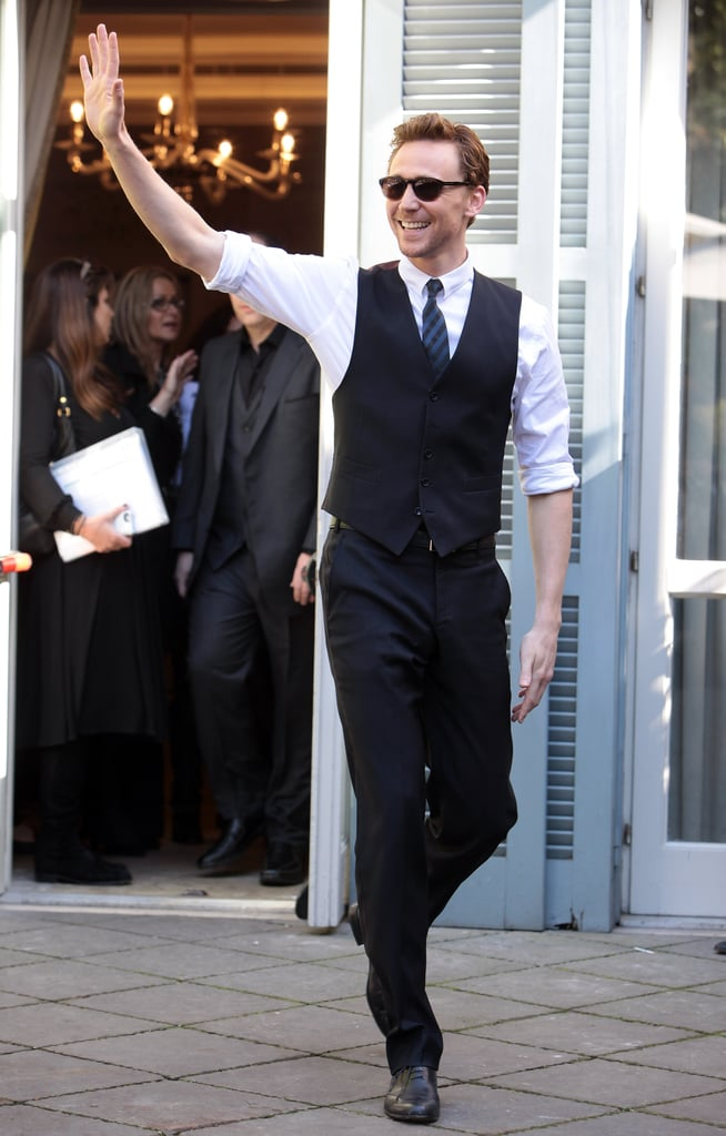 Tom Hiddleston waved to press and fans in Italy.