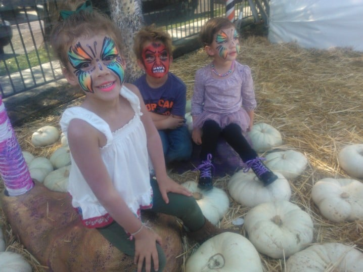 Honor Warren goofed around with her cousins at a pre-Halloween party. Source: SkyDrive User JessicaAlba