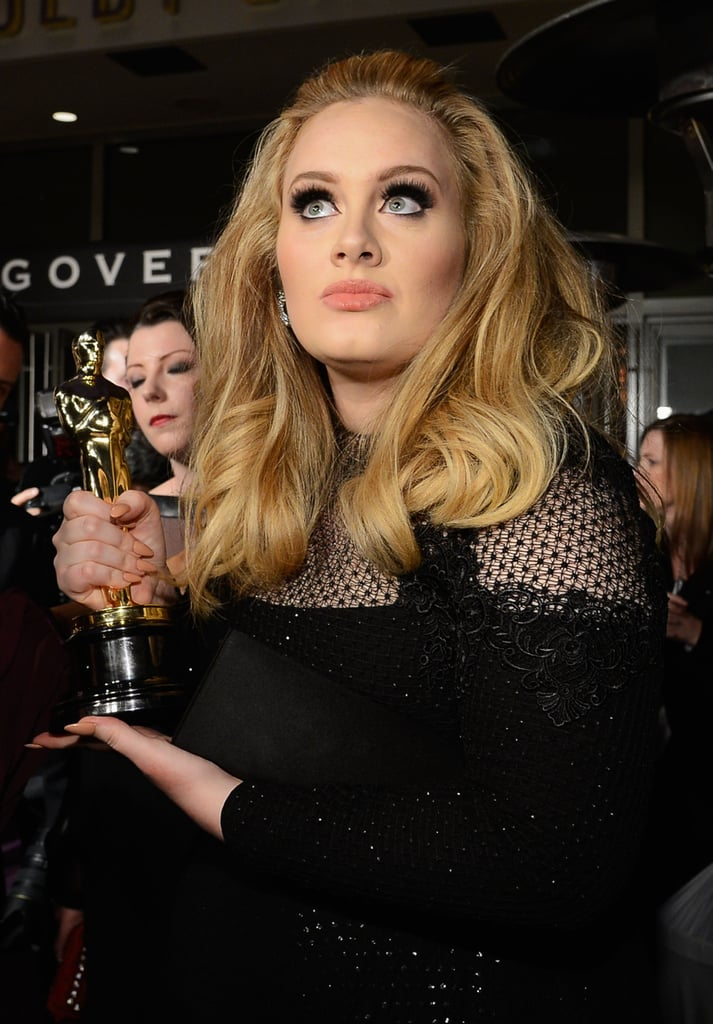 Adele held up her Oscar at the Governors Ball.