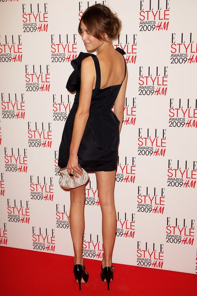 Showing off a sultry angle at the 2009 Elle Style Awards.