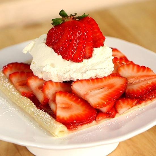 The Easiest Strawberry Tart Recipe