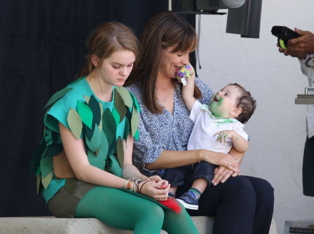 Jennifer Garner played with her baby costar.