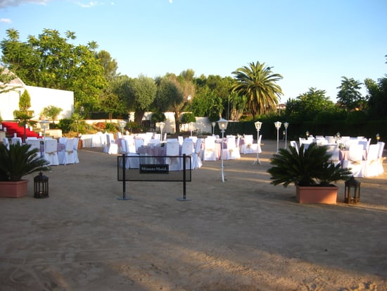 Unlike American weddings, Spanish weddings start late in the day. We arrived on location at 8PM.