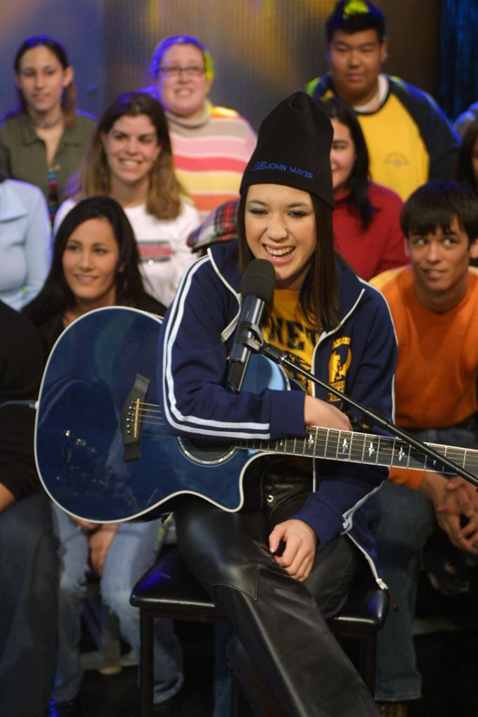 Michelle Branch gave Carson Daly a guitar lesson on TRL in 2002.