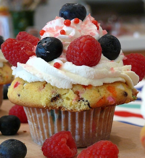 Yummy Links: From Firecracker Cupcakes to Giada de Laurentiis