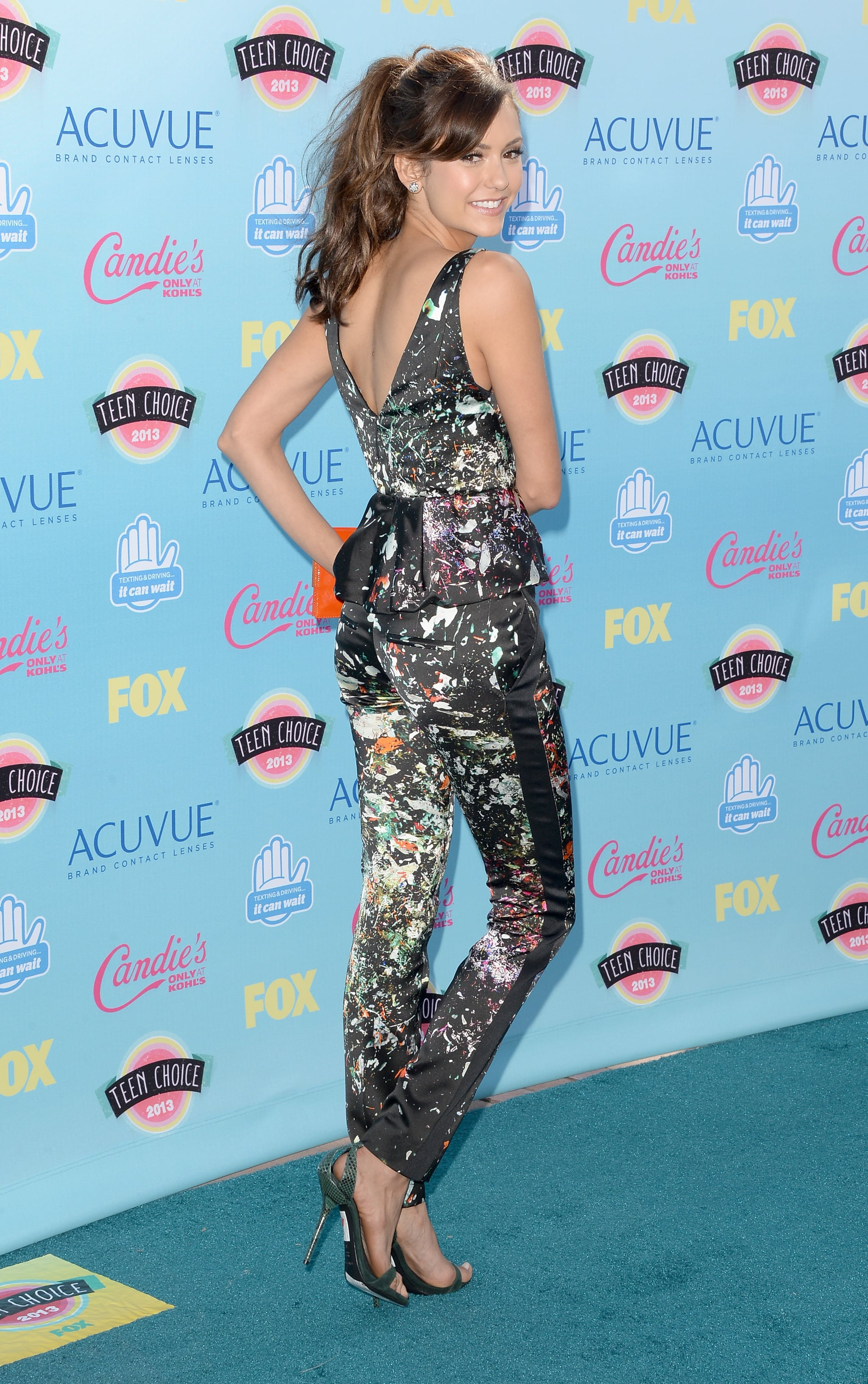 Nina Dobrev was flawless from every angle in a J. Mendel ensemble, stingray Devi Kroell clutch, and Martin Katz jewelry.