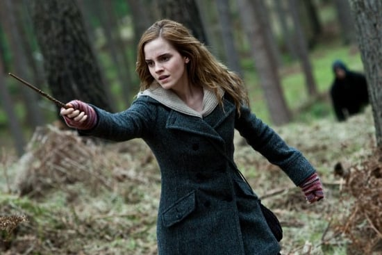 Emma Watson Says Playing Hermione Made Her More Interested in Fashion 2010-11-19 00:55:01