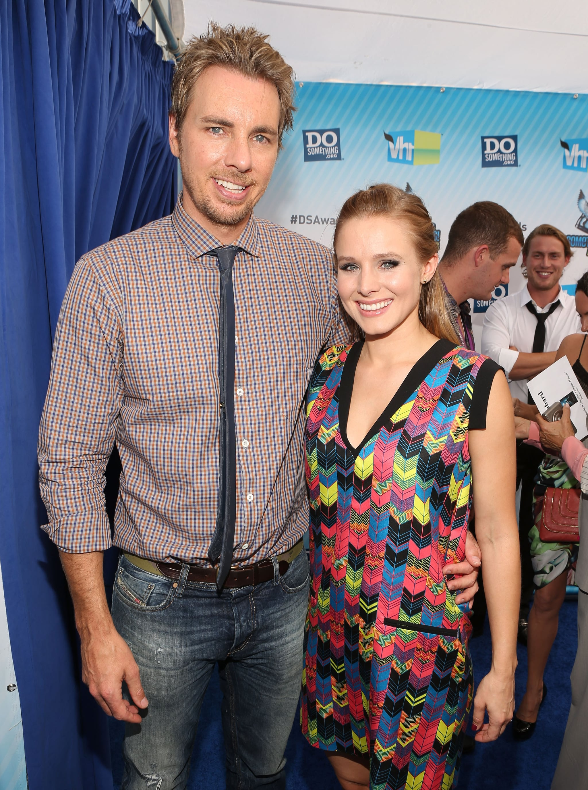 Kristen Bell and Dax Shepard got together backstage at the Do Something Awards.