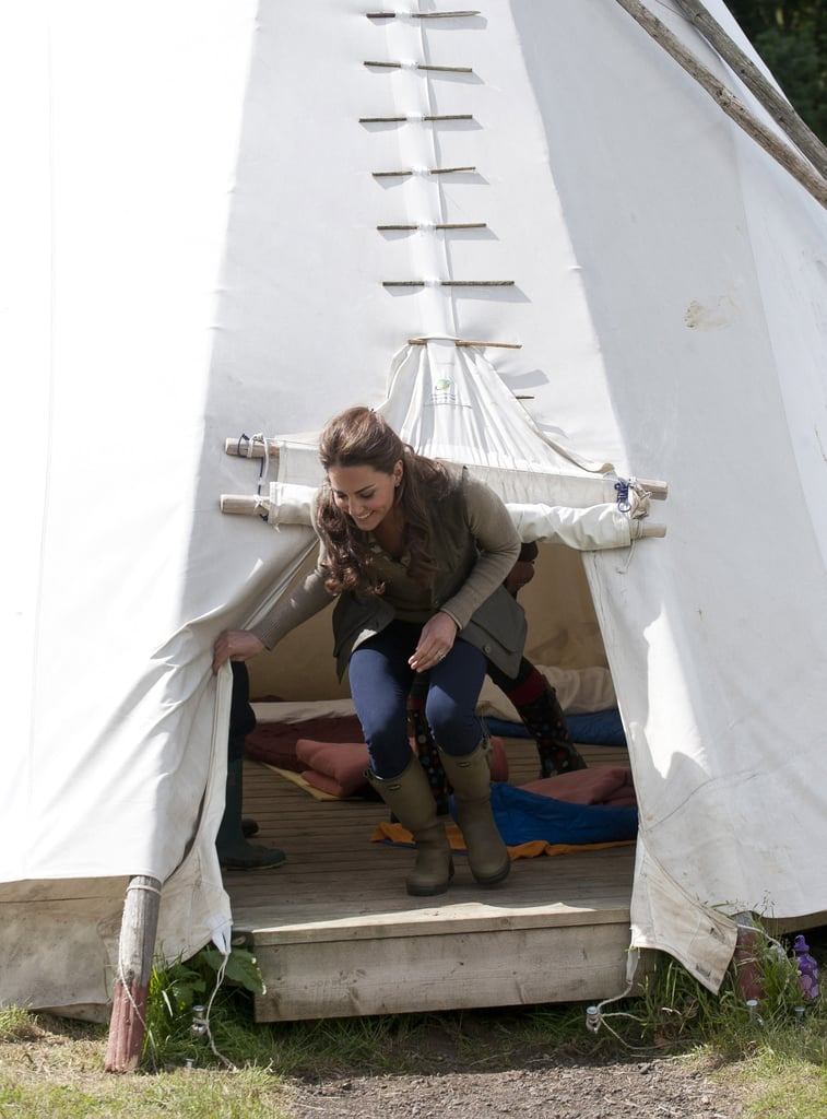 Kate Middleton went into a teepee with children from Expanding Horizons primary school outdoor camp.