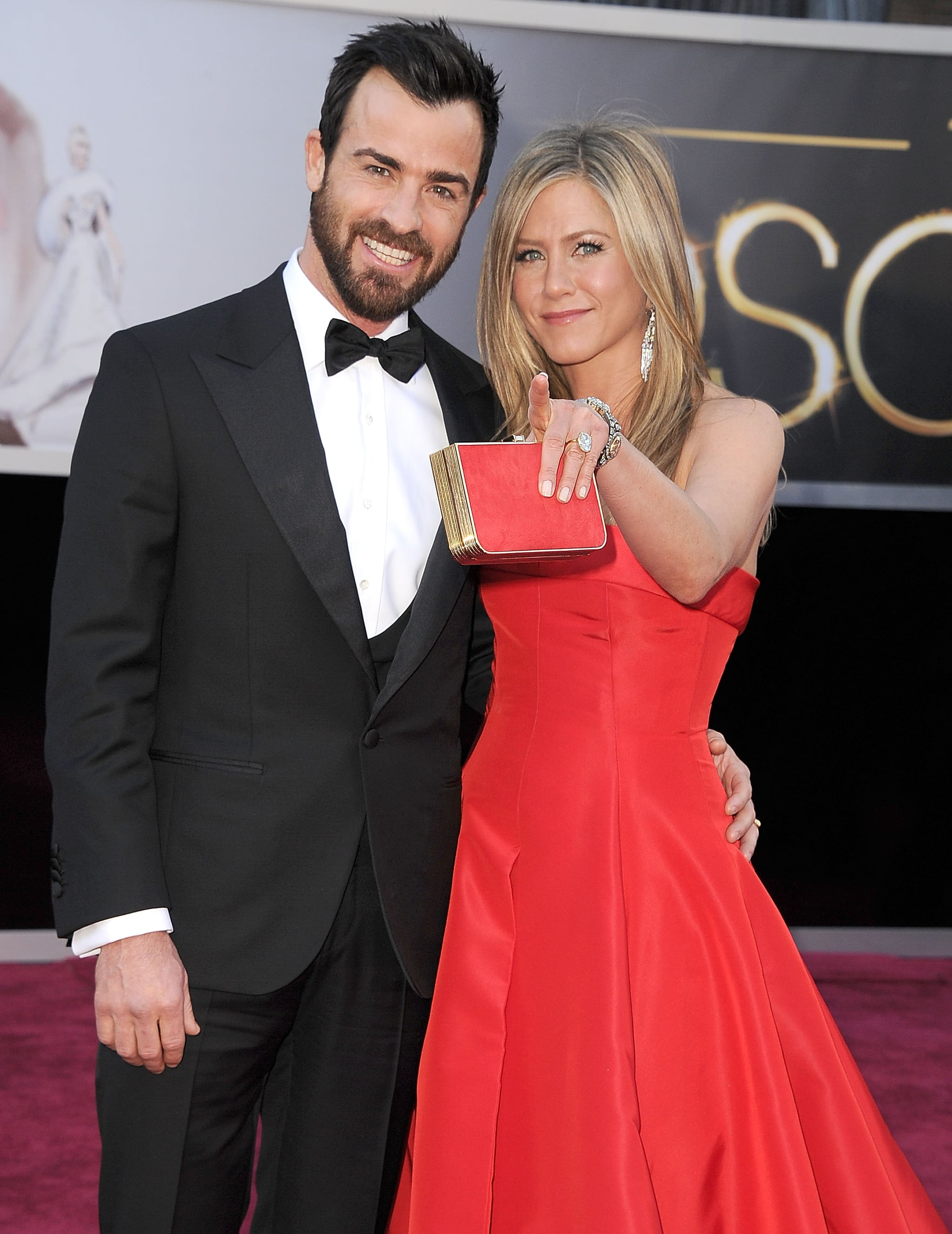 Jennifer Aniston showed Justin Theroux the ropes on the red carpet.