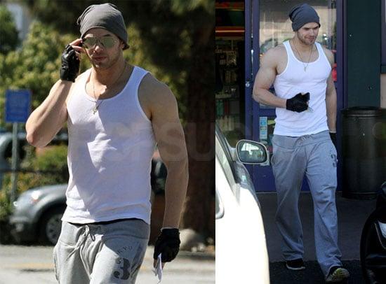 Photos of Kellan Lutz's Muscles