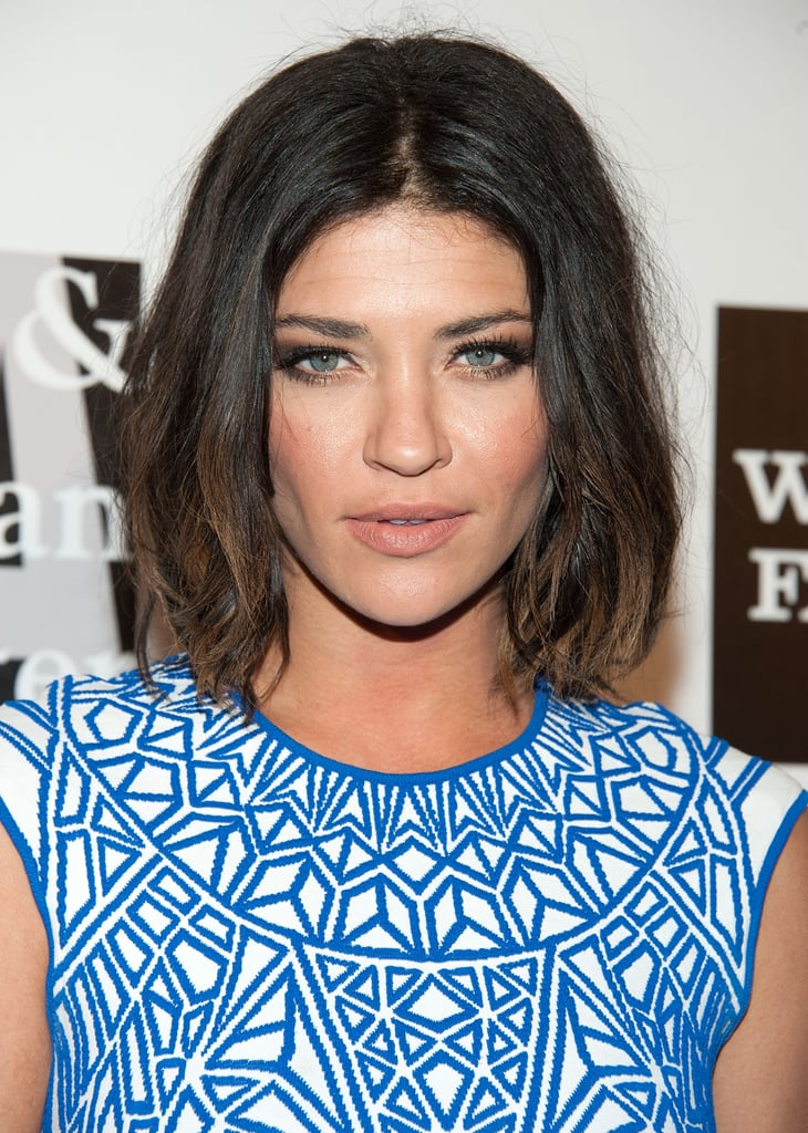 Keeping things fresh, Jessica Szohr added texture to her shorter hairstyle. She complemented her golden-brown smoky eye with matte nude lips and a flush of warm color on the apples of her cheeks.