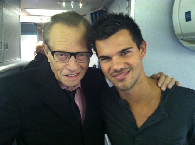"Larry King declared his ""Team Jacob"" status with Taylor Lautner. Source: Twitter user kingsthings"