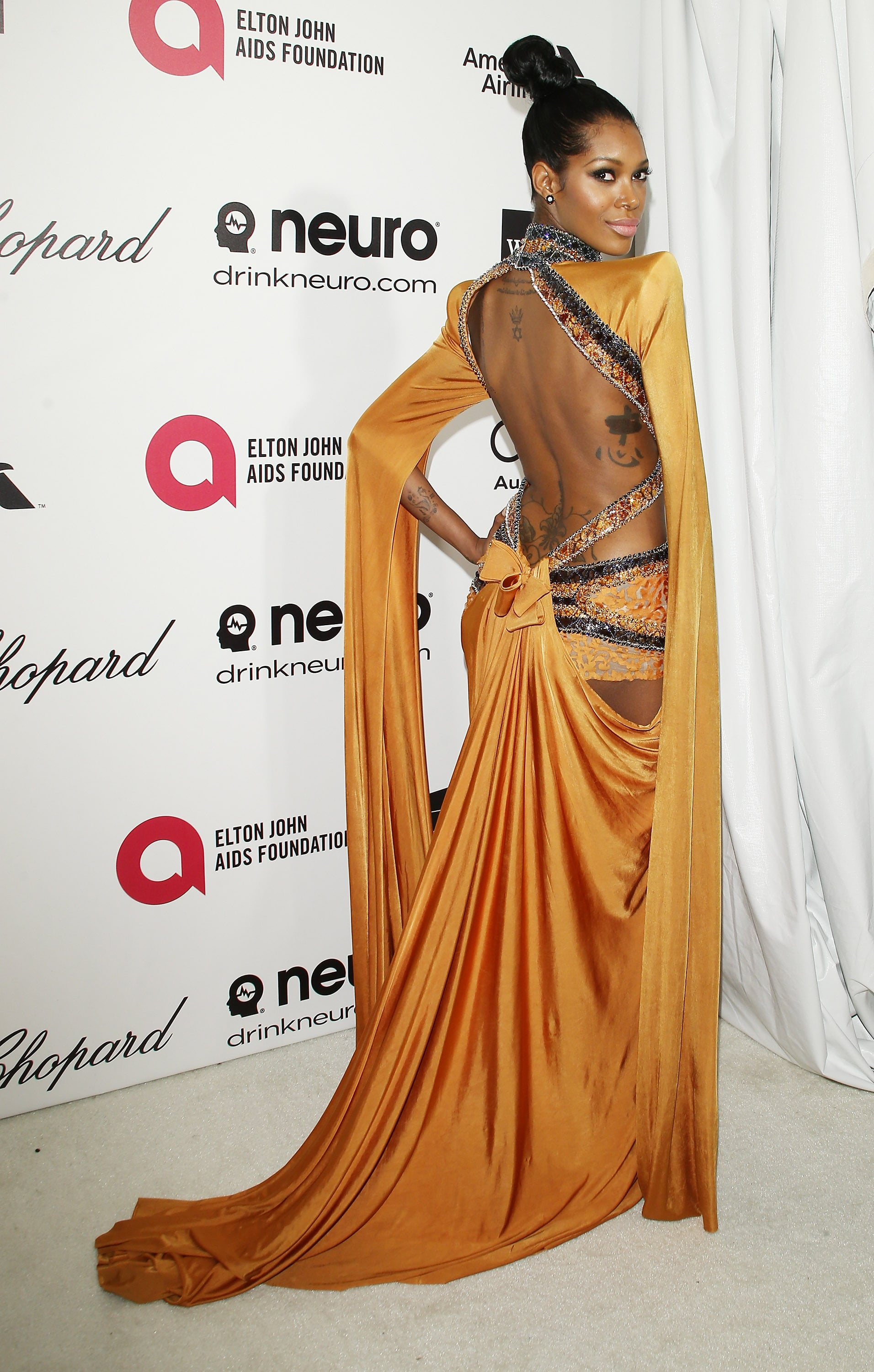 Jessica White at the 2014 Annual Elton John AIDS Foundation Academy Awards Viewing Party